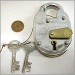 アンティーク風 インドの南京錠